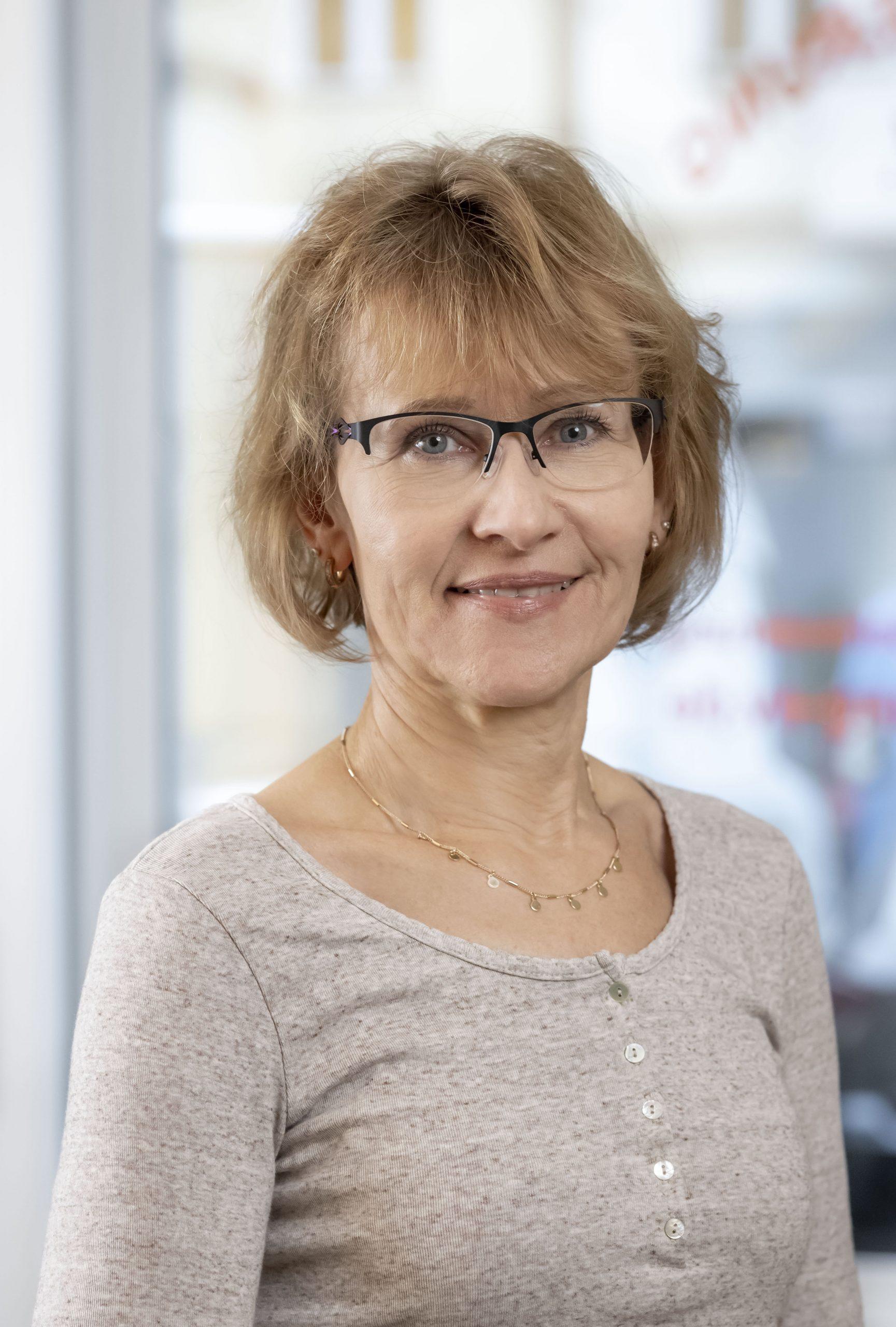 Carola Lüderitz, Buchhaltung